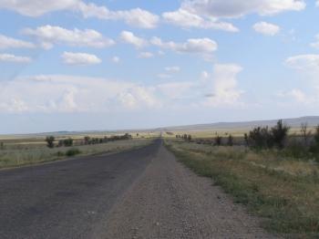 Дорога как стрела, прямо до горизонта