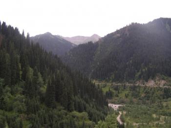 Алматинский (Заилийский) Алатау. Плотина Чимбулак. Высота на уровнем моря 4000 где-то